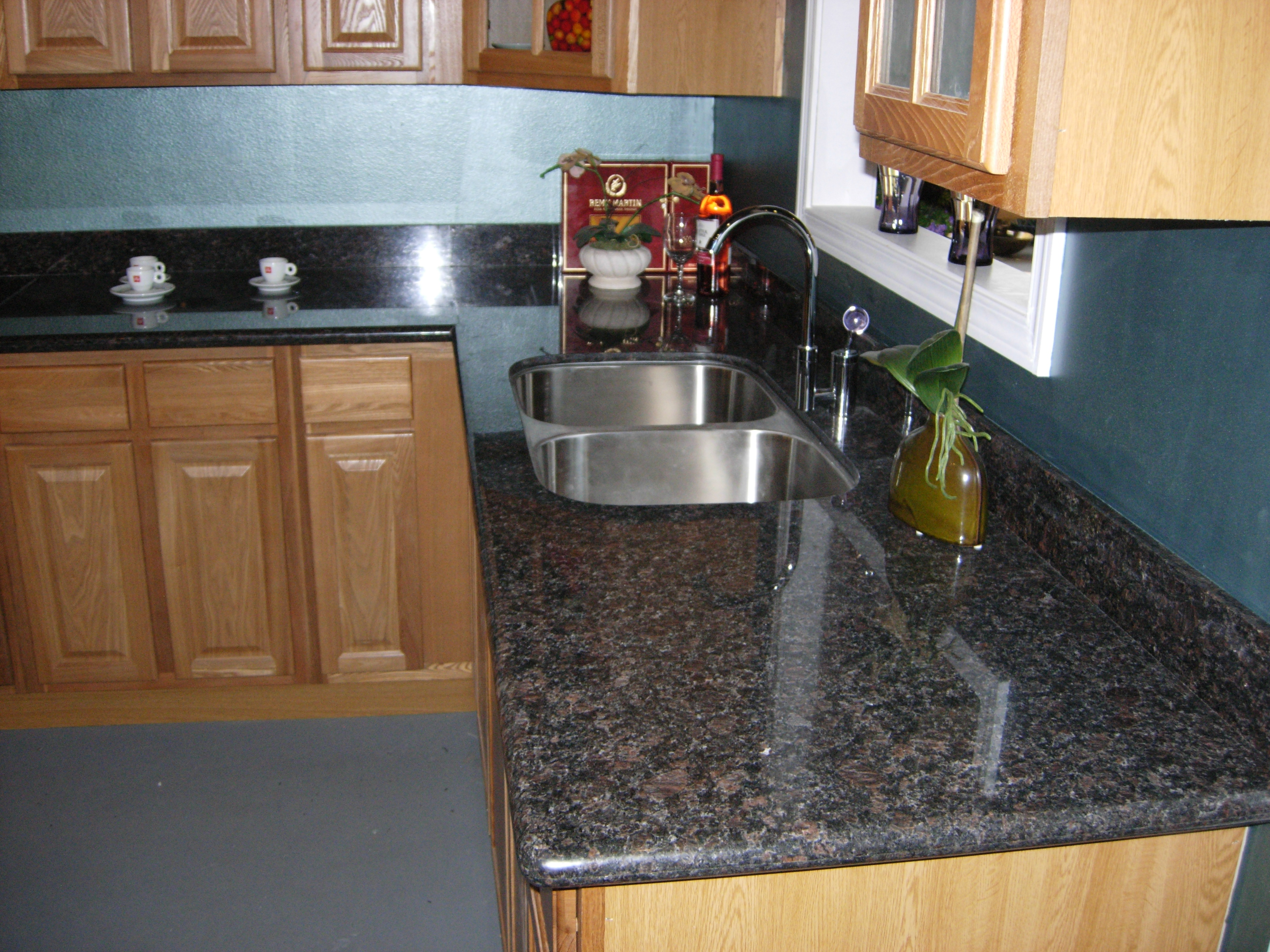 Quality Countertops Design Center Displays Many Color Options, But If You  Donu0027t See A Color Or Pattern ...